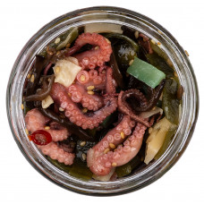 Салат из маринованных осьминогов 200г